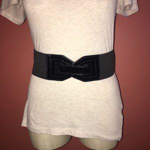 Accessories - Black stretchy belt
